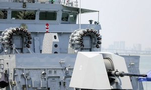 Go explore modern equipment on three Indian naval ships in Vietnam