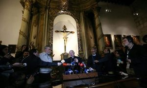 Fourteen priests linked to Chile sex abuse stripped of duties
