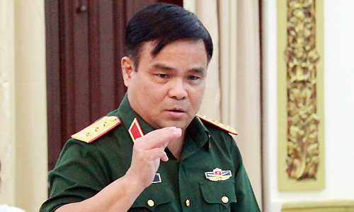 Chinese ships were 'invading' Vietnamese waters: top defense official