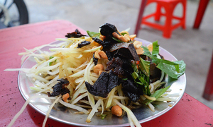 5 street food spots deep rooted in the heart of Saigonese