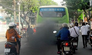 Ho Chi Minh City fines buses blowing off emission standards