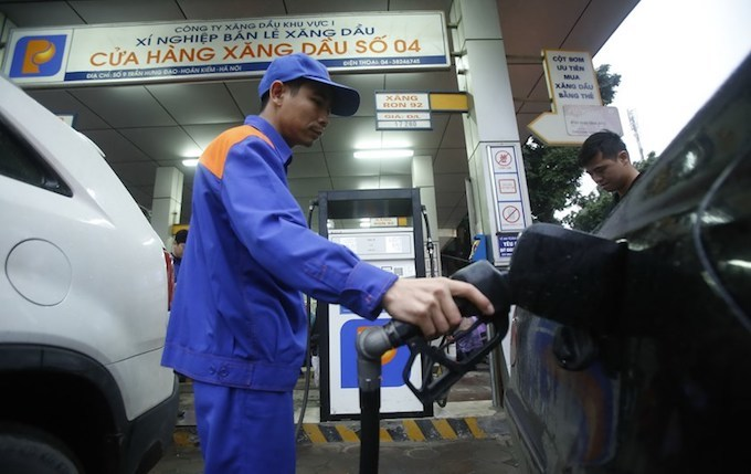 Fuel price hike threatens inflation in Vietnam