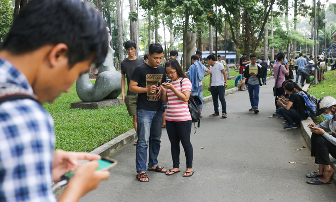 Vietnam's internet to crawl as repair work starts on infamous cable