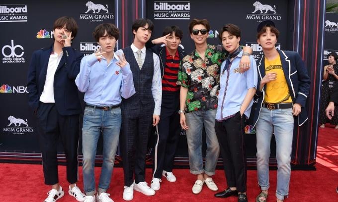 Boyband BTS make K-Pop history topping US album charts