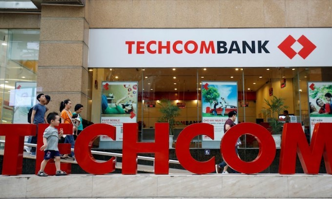 Vietnam's Techcombank shares drop 20 pct on debut