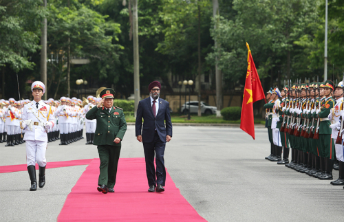 Vietnamese troops to train in Canada