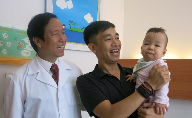 Vietnamese surgeon wins Nikkei Asia Prize for pioneering children treatments