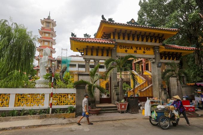 The pagoda was originally named Chua tho Xa Loi (Xa Loi worship pagoda), which was later shortened to Chua Xa Loi (Xa Loi pagoda).