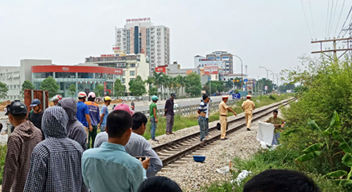 Two killed at railroad crossing in north-central Vietnam