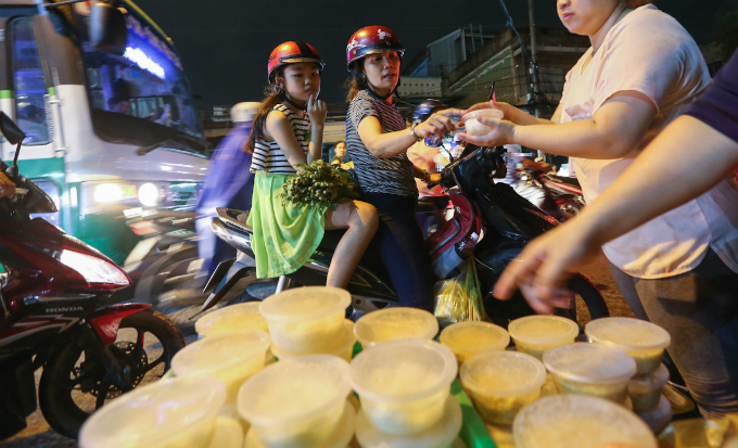 saigon-cleanses-body-and-soul-in-pest-killing-fest-3