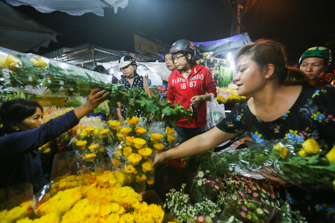 saigon-cleanses-body-and-soul-in-pest-killing-fest-7
