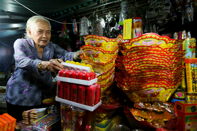 saigon-cleanses-body-and-soul-in-pest-killing-fest-8