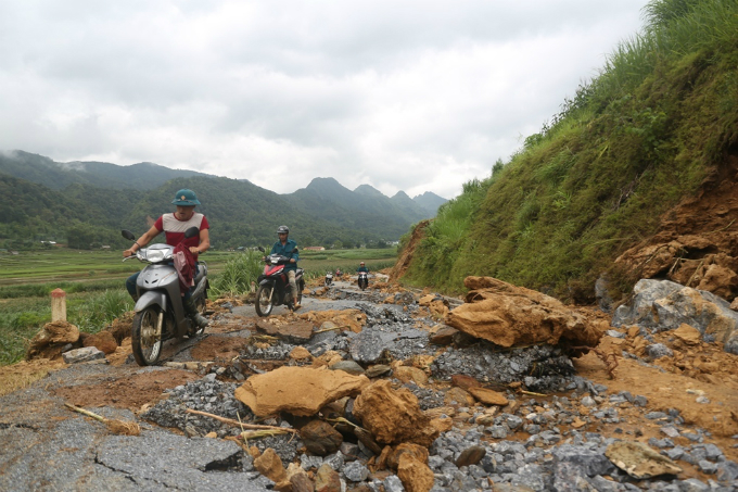 Ha Giang picks up the pieces after  floods and landslides - 1