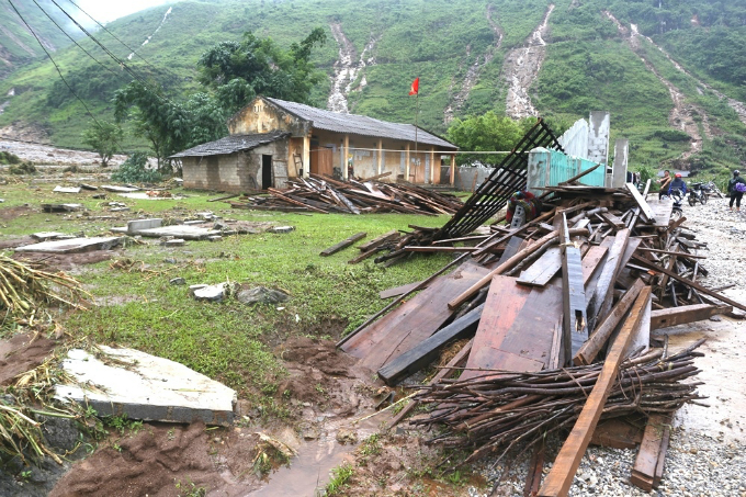 Ha Giang picks up the pieces after  floods and landslides - 4