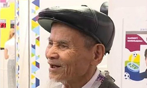 Vietnamese grandpa the grand old man of World Cup 2018