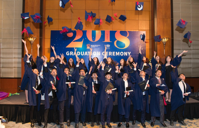 British Vietnamese International School Hanoi celebrates first graduation ceremony - 1