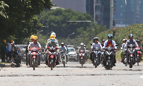 Mercury soars to 40 degrees as north, central Vietnam swelter