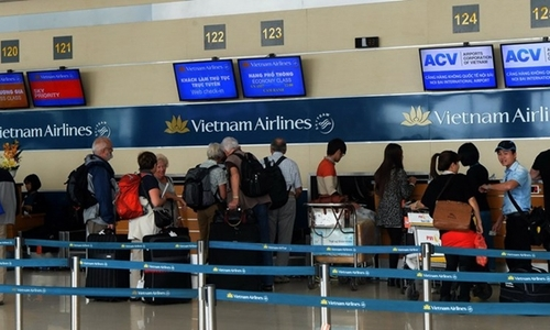 Vietnam Airlines cancels flights to S Korea, Japan amid typhoon scare