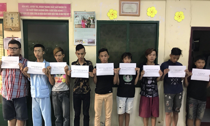 Saigon police detain 11 for series of convenience store robberies