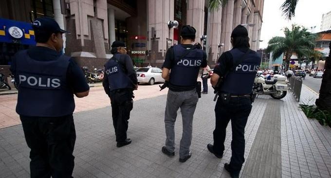 Malaysian cops nab Vietnamese robbers