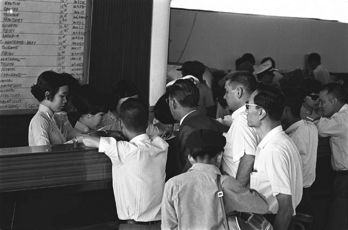 Saigon in the 60s: a black and white portrayal - 5