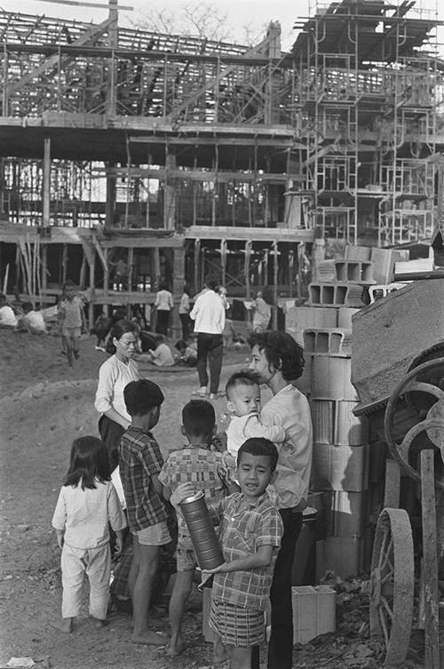 Saigon in the 60s: a black and white portrayal - 8