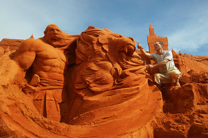 Vietnams first sand statue park tells stories