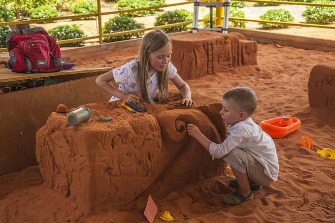 Vietnams first sand statue park tells stories - 8