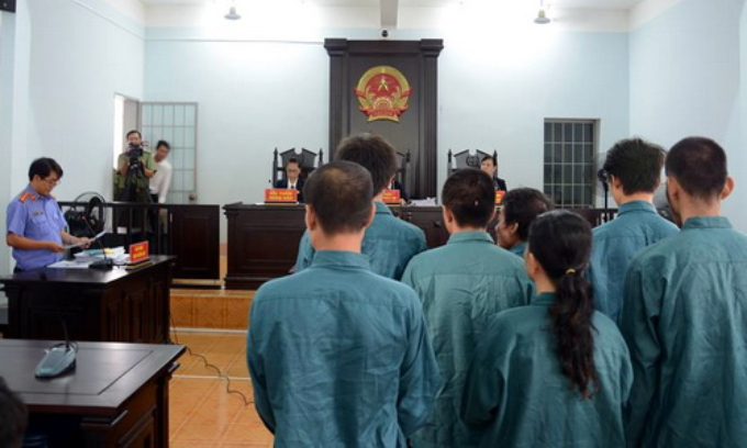 Seven people stand trial in Binh Thuan Province on Thursday for inciting protests in June. Photo by VnExpress/Thai Ha
