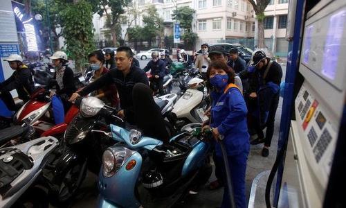 Vietnam postpones plans to increase fuel tax