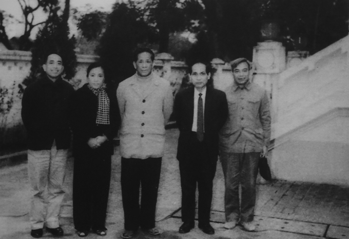 First Secretary of the central executive committee of the Communist Party - Le Duan (middle) met the delegation of the National Front for the Liberation of Southern Vietnam before they went to France. The picture was taken in October 1968. Photo courtesy of Ministry of Foreign Affairs of Vietnam.
