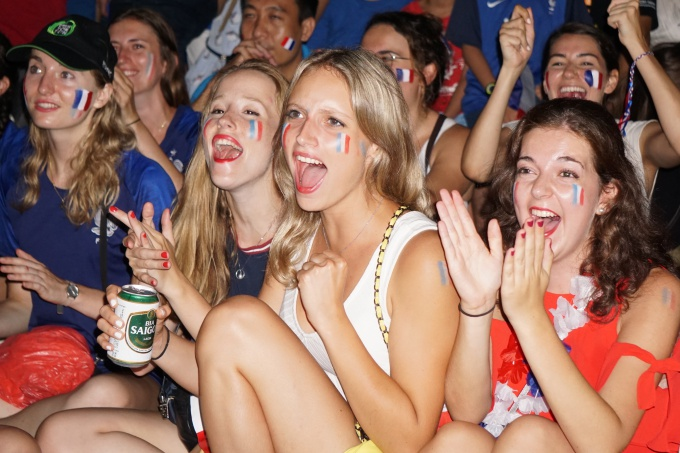 Supporters of the France national team react as they watch the game in Hanoi. Photo by VnExpress/Trong Giap
