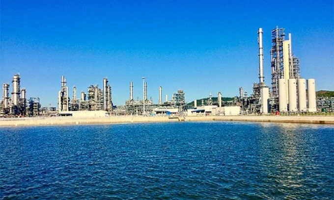 A question mark over $9 billion refinery