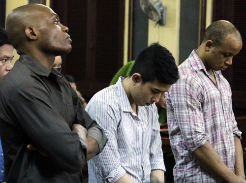 Two Nigerians jailed for cheating Vietnamese women