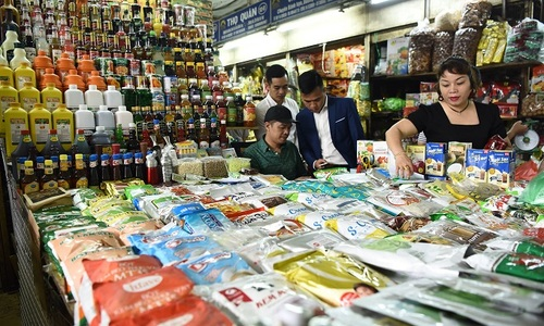 A paradox in Vietnam: consumers upbeat, grocers downbeat