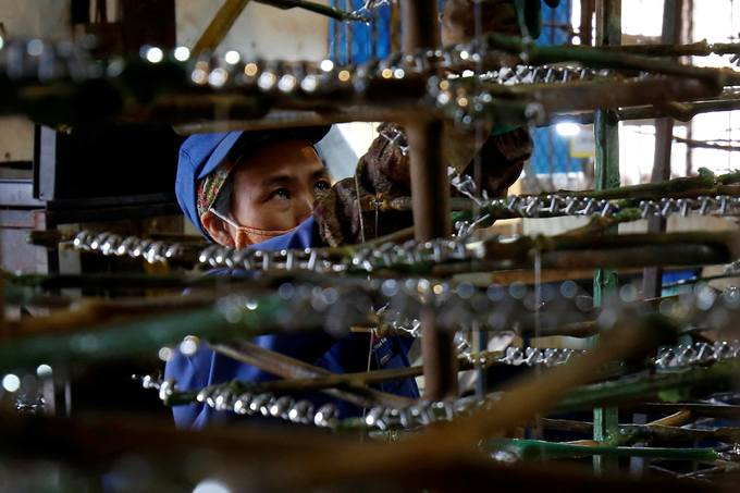 Standard Chartered Bank says Vietnam economy to grow faster than expected