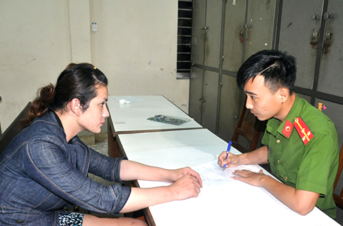 Three women nabbed for stealing from foreign tourists in Da Nang