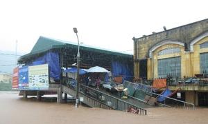 Flash floods kill 2 in central Vietnam