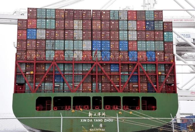 Economists urge Vietnam to prevent deluge of Chinese products