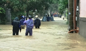 Flash floods ravage north and central Vietnam