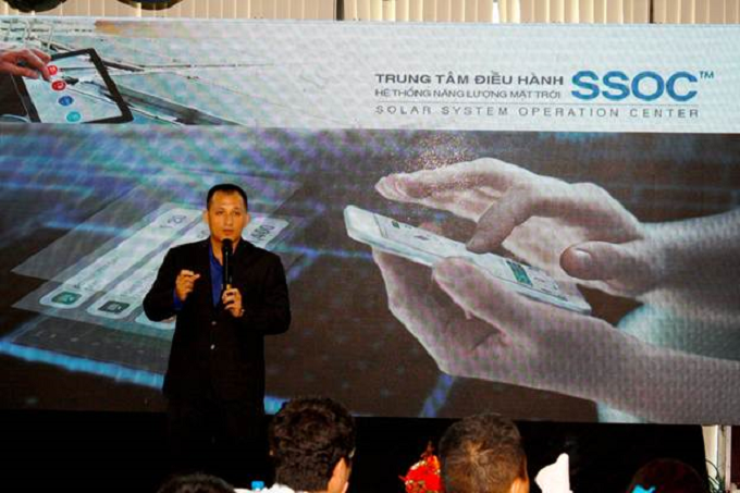Nguyen Vu Nguyen, Operation director of SolarGates presented in BigKilowatts product launching event.