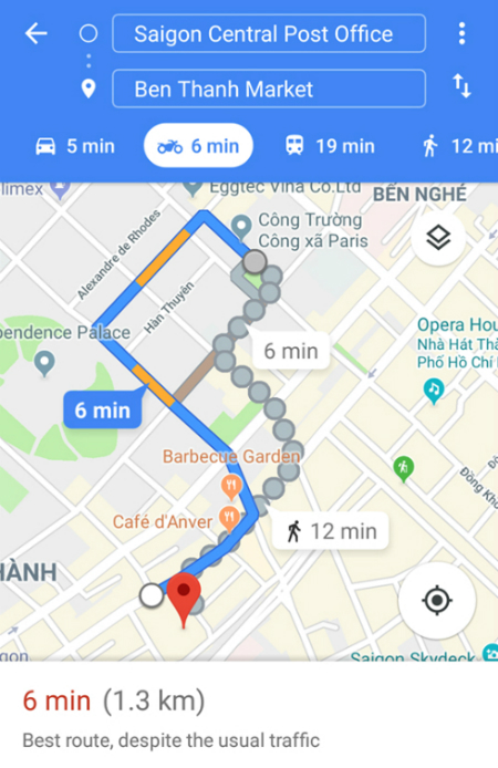 A motorcycle route between Saigon Central Post Office and Ben Thanh Market as suggested by Google Maps on a Samsung cell phone.