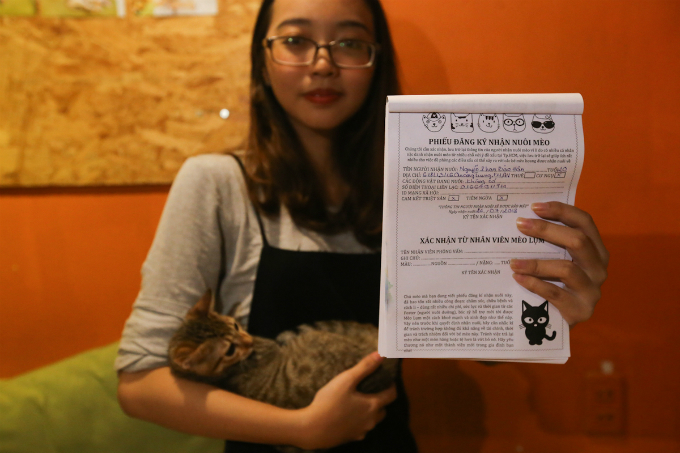 Before adopting a new pet, guest will have to fill out some basic information and sign off on vaccination and sterilization paper works.We believe that people genuinely want to adopt these cats, so we ask them fill out forms to prevent them from selling or eating these kitties, Minh added.