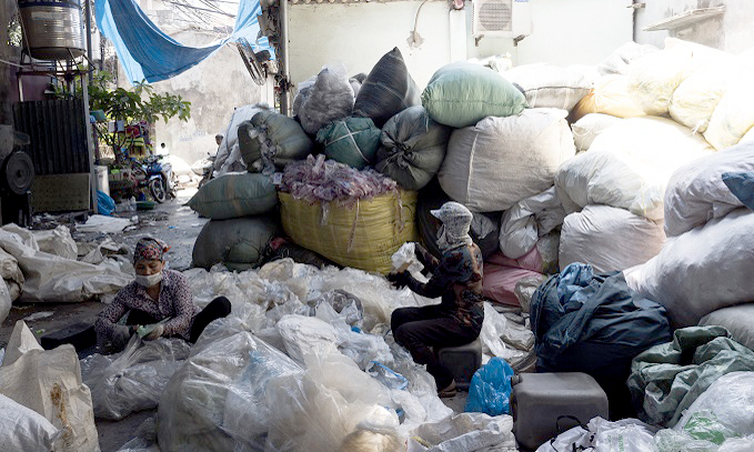PM warns against allowing in global waste