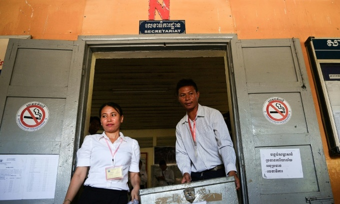 Cambodians start voting in controversial poll