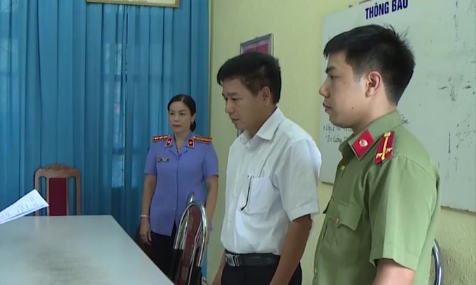 Five more officials implicated as Vietnam exam fraud probe expands