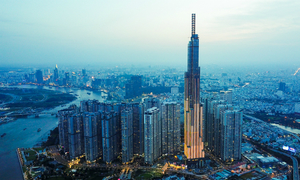 Landmark 81 dwarfs other buildings, offers impressive views