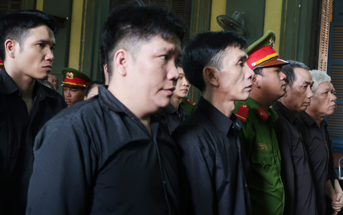 Vietnam sentences 5 to death, 4 get life for drug trafficking