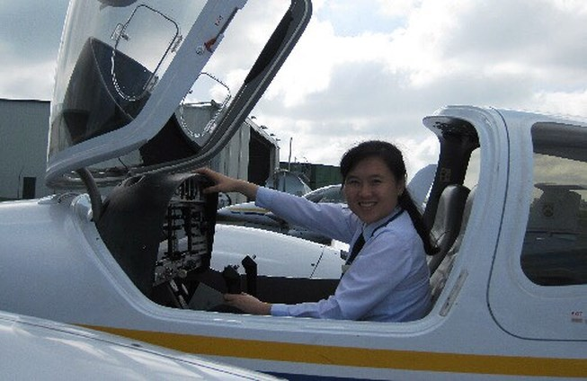 Vietnams newest captain Le Thi Bich Hong. Photo courtesy of Jetstar Pacific