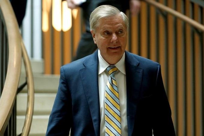US senators introduce Russia sanctions 'bill from hell'